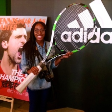 Does this tennis racket make me look tiny!